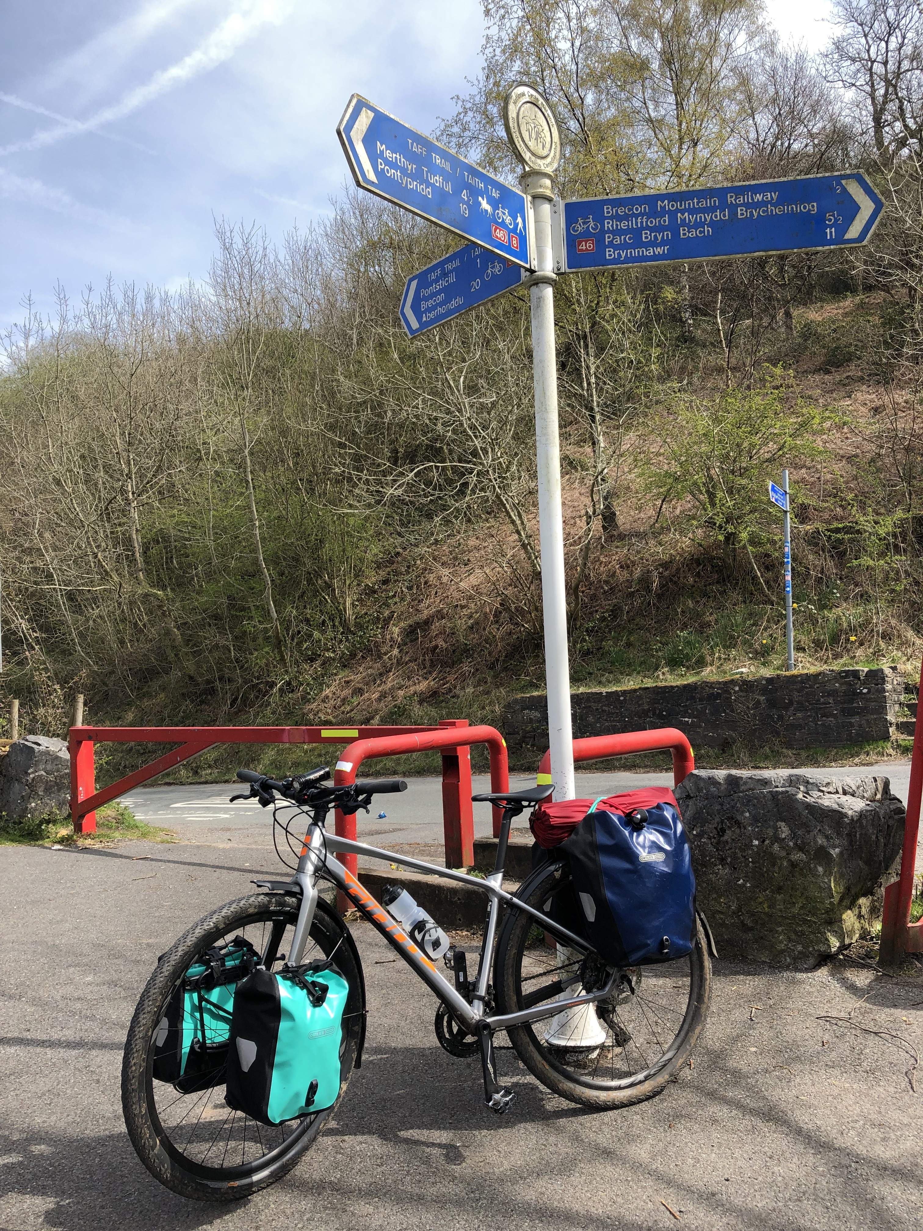 Giant ToughRoad Cardiff to Brecon Cycle touring msr